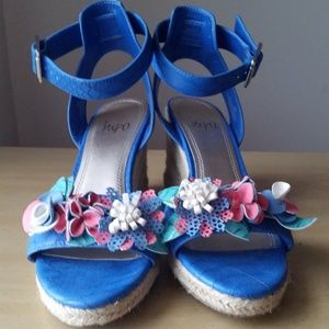 Impo blue leather espadrille wedges with flowers